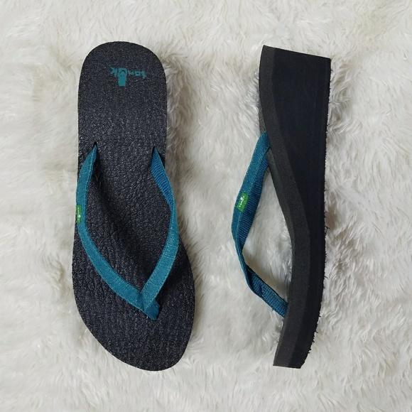 145624f740de SANUK Yoga Spree Wedge Flip Flop Sandals Blue 8